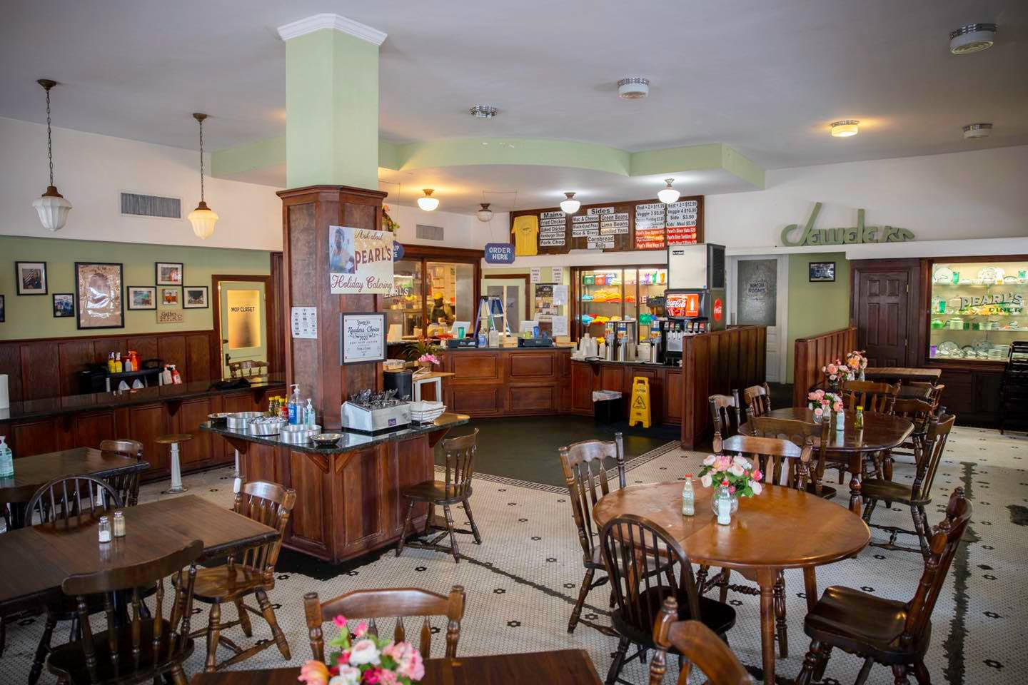 9 Casual Dining Spots in Laurel and Jones County - Pearl's Diner